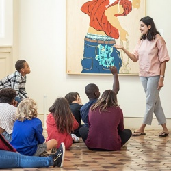 Students visit Fralin Art Museum at UVA.